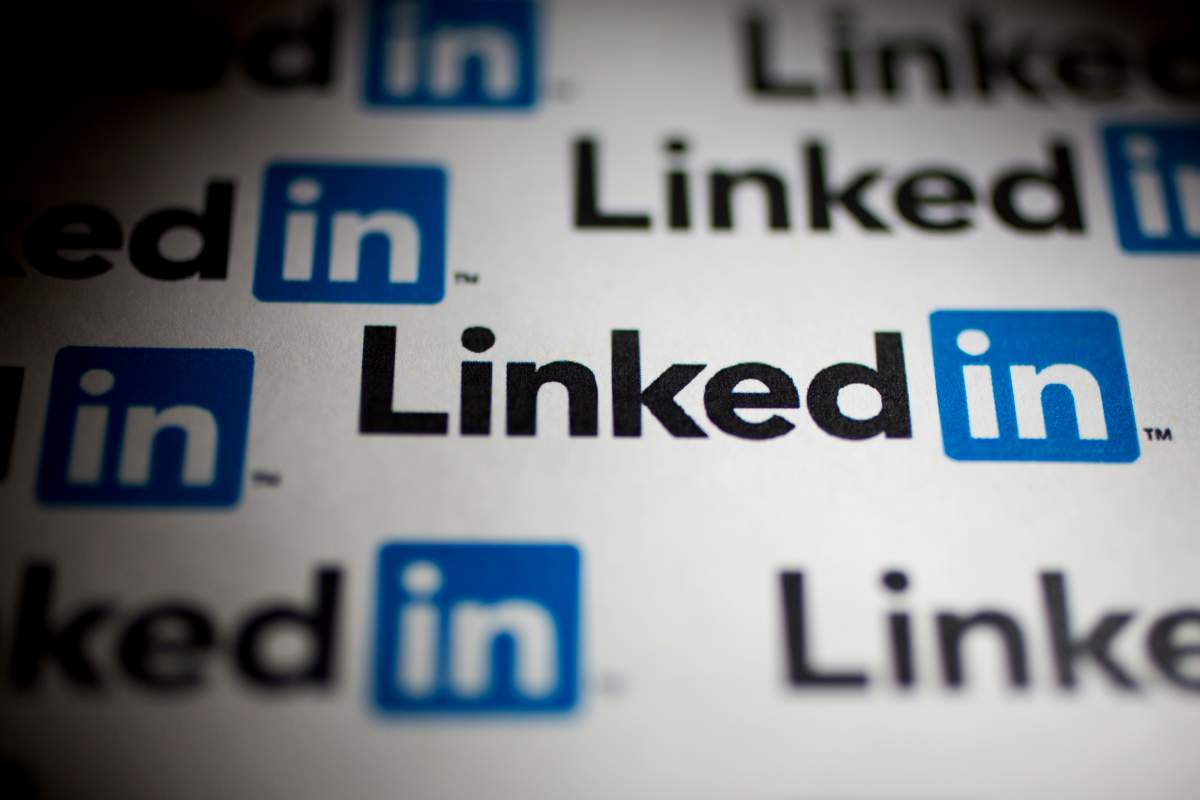How You Can Boost Page Views on LinkedIn