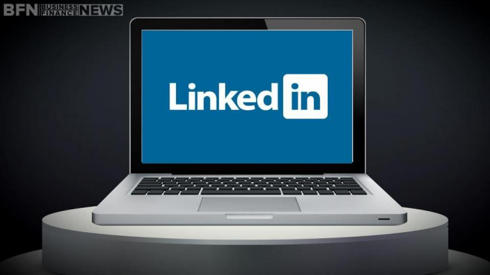 LinkedIn Corp (LNKD) Stock Shows Buying Opportunity Amid Investor Concerns …