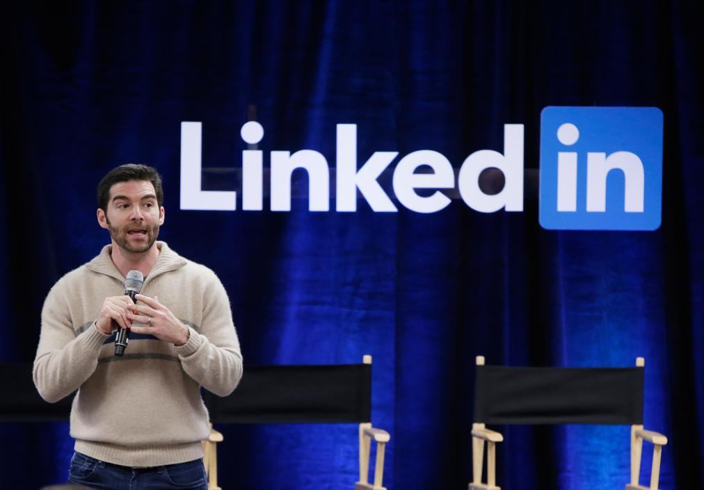 LinkedIn's CEO Is Giving His Entire $14 Million Bonus to His Employees