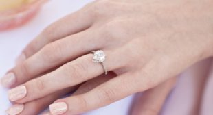 Seriously? This Recruiter Says Don't Wear Your Engagement Ring If You Want the Job